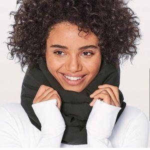 Lululemon bring the heat scarf down fill